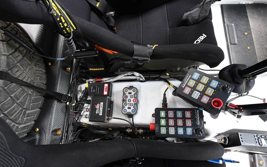 2020 VT20R Interior Controls