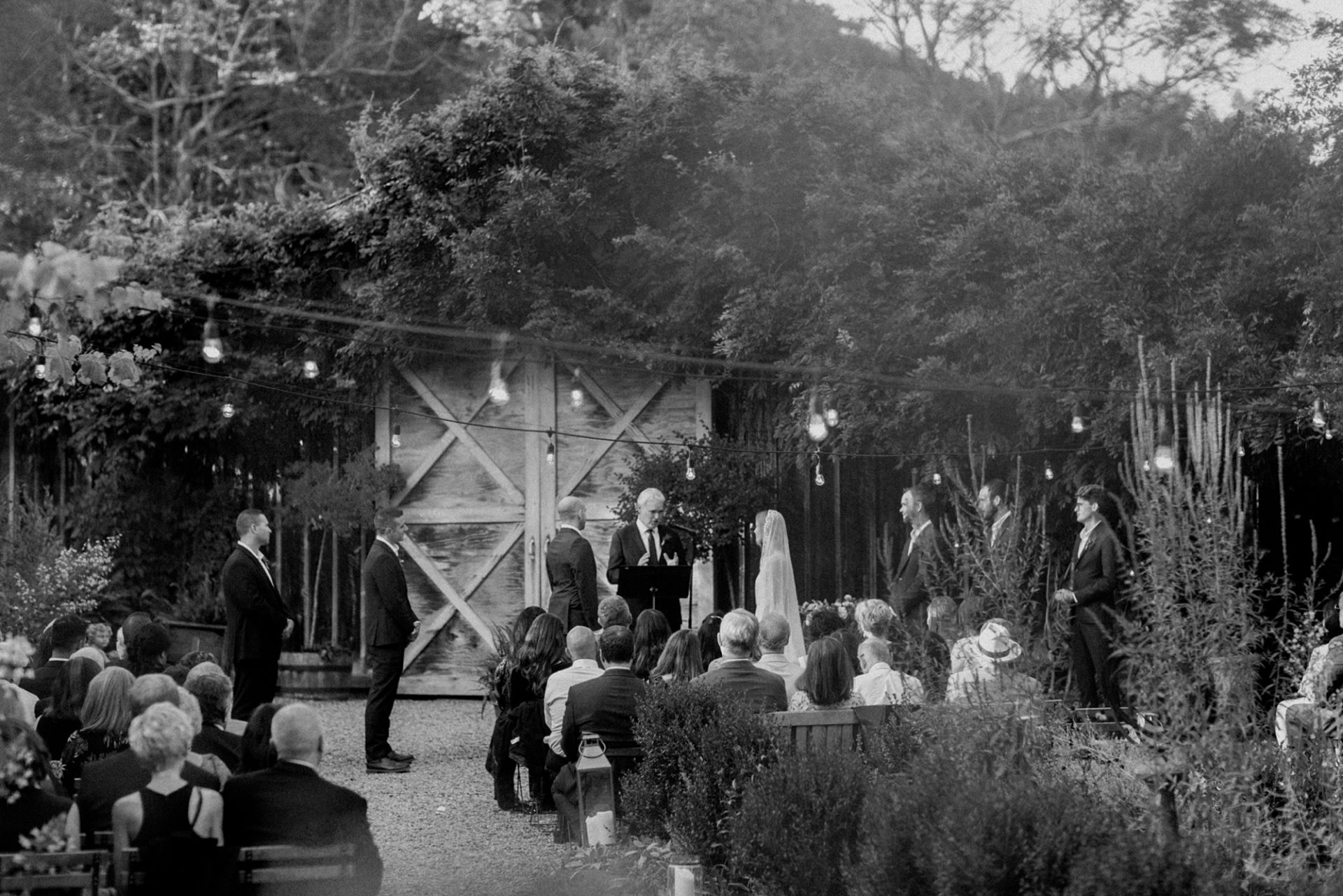 Black and white ceremony at M & D Farm