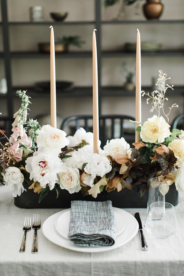 Blush, peach, and rust flower centerpiece by Nectar and Root, Vermont wedding florist at Foxfire Mountain House in the Catskills, New York.