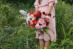 A simple summer bridal bouquet of July flowers in a neutral color palette by Nectar and Root, Vermont wedding florist in Burlington, Vermont.
